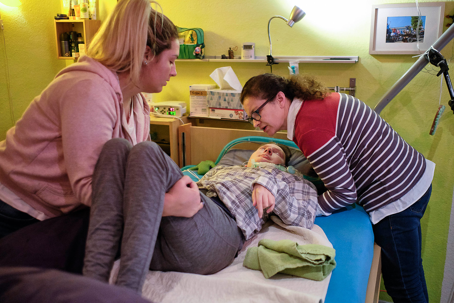 Intensivkind-wird-zu-Bett-gebracht