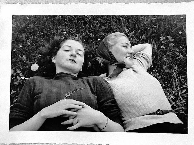 Foto-aus-dem-Buch-Alice-das-die-schwestern-lisbeth-und-cordelia-dodson-zeigte-wichtige-amerikanische-Freundinnen-der-familie-urbach