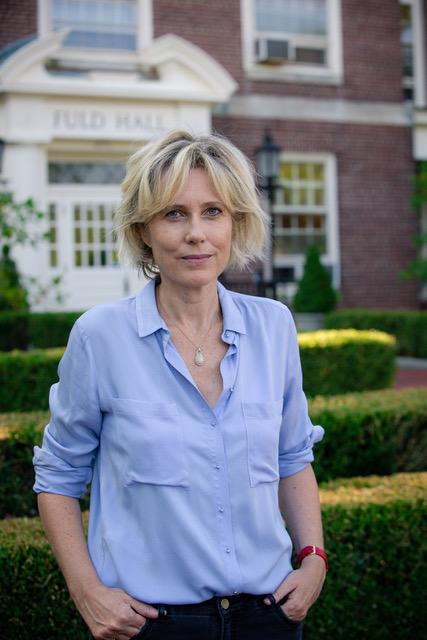 Katina-Urbach-Autorin-von-das-Buch-alice-lebt-seit-vielen-jahren-glücklich-in-England